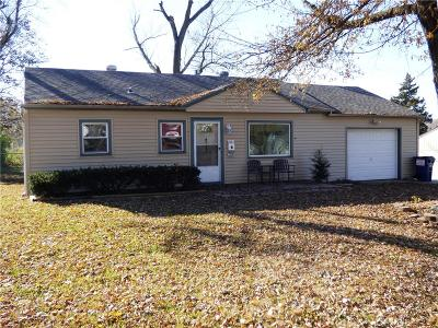 Gladstone MO Single Family Home For Sale: $103,000