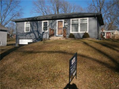 Gladstone MO Single Family Home For Sale: $129,900