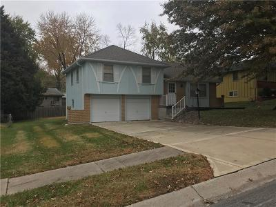 Kansas City Single Family Home For Sale: 6928 NW 78th Terrace