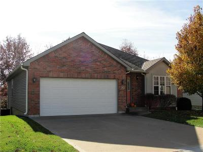 Warrensburg Single Family Home For Sale: 1806 Ender Lane