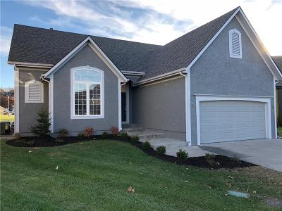 Lee's Summit Single Family Home For Sale: 5605 NE Hidden Meadow Circle