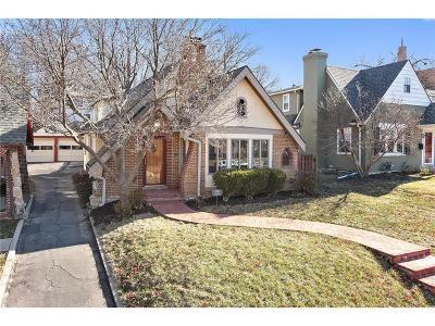 Kansas City Single Family Home For Sale: 6843 Oak Street