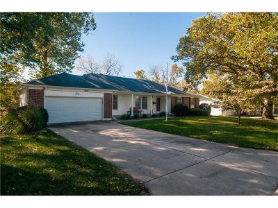 Merriam Single Family Home For Sale: 9107 W 70th Street