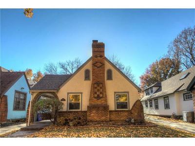 Kansas City Single Family Home For Sale: 427 E 70 Terrace