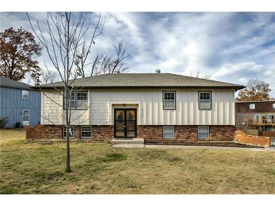 Merriam Single Family Home For Sale: 5200 Farley Lane