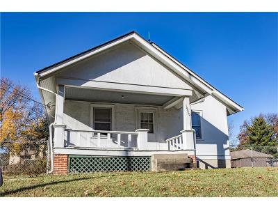 Overland Park Single Family Home For Sale: 10200 Antioch Road