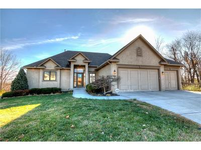 Kansas City Single Family Home For Sale: 3315 NW 52nd Terrace
