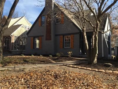 Kansas City Single Family Home For Sale: 7615 Oak Street