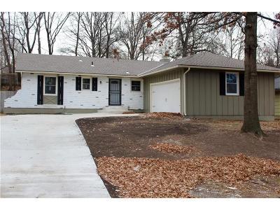 Kansas City Single Family Home For Sale: 605 E 105th Terrace