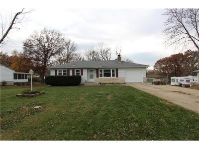 Kansas City Single Family Home For Sale: 8916 N Charlotte Street