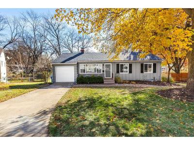 Prairie Village Single Family Home For Sale: 6117 W 75th Street