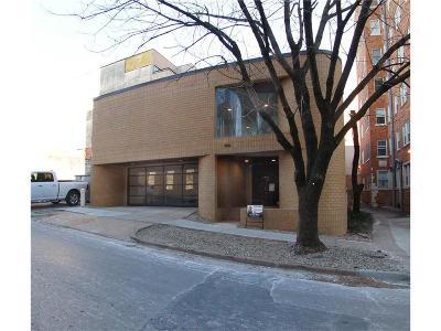 Kansas City Single Family Home For Sale: 906 W 48th Street
