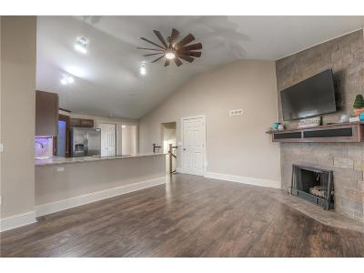 Gladstone MO Single Family Home Show For Backups: $184,900