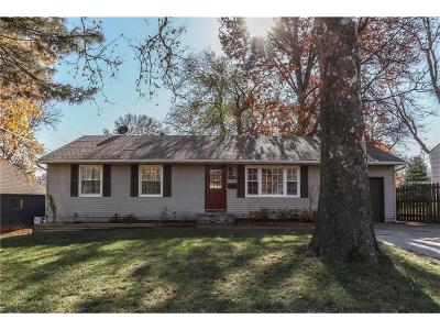 Prairie Village Single Family Home For Sale: 6305 W 77th Street