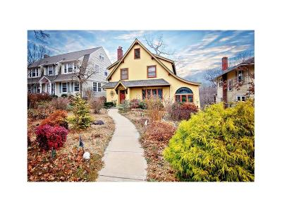 Kansas City Single Family Home For Sale: 4955 Westwood Terrace
