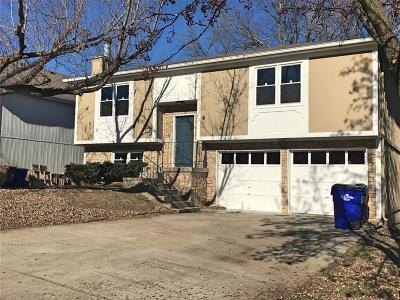 Olathe Single Family Home For Sale: 1404 W Prairie Street