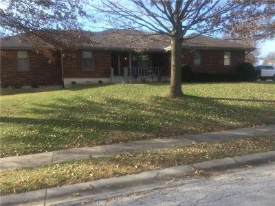Raymore Single Family Home For Sale: 802 Raven Street