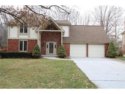 Lee's Summit Single Family Home For Sale: 3736 NE Beechwood Drive