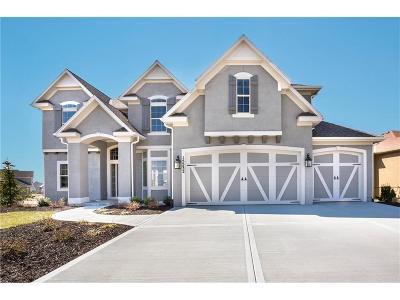 Overland Park Single Family Home For Sale: 15532 Windsor Street