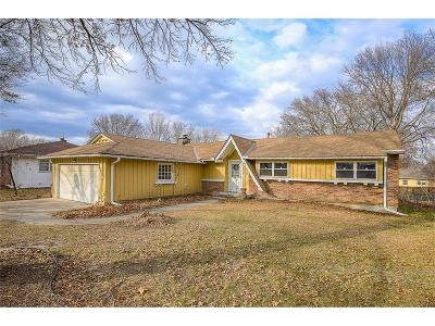 Olathe Single Family Home For Sale: 1004 E Sheridan Street