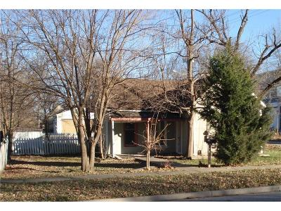 Olathe Single Family Home For Sale: 218 N Walnut Street