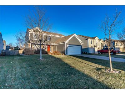 Olathe Single Family Home For Sale: 1826 W Fredrickson Drive