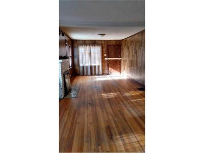Kansas City Single Family Home For Sale: 3011 Parkwood Boulevard