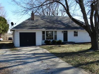 Belton MO Single Family Home For Sale: $205,000