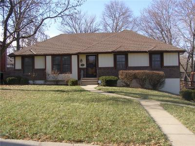 Raytown Single Family Home Contingent: 7816 Westridge Road