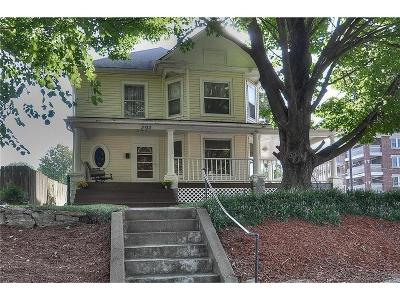 Independence Single Family Home For Sale: 303 N Union Street