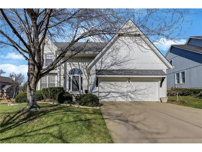 Overland Park Single Family Home For Sale: 8416 W 145 Terrace