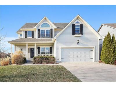 Olathe Single Family Home For Sale: 11574 S Longview Street