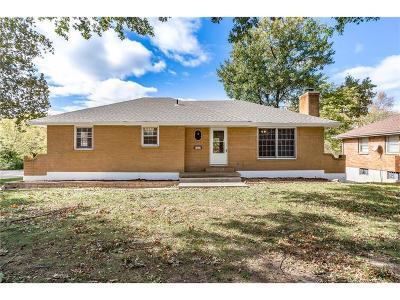 Raytown Single Family Home For Sale: 5528 Hunter Terrace