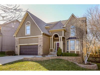 Overland Park Single Family Home For Sale: 12208 Hemlock Street