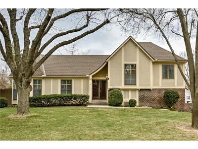 Lenexa Single Family Home For Sale: 9915 Century Lane