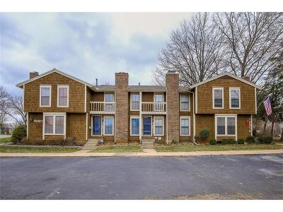 Lenexa Condo/Townhouse For Sale: 12313 W 79th Place