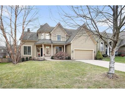 Overland Park Single Family Home For Sale: 12805 W 122nd Street
