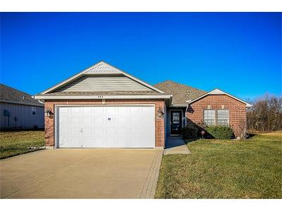 Raymore MO Single Family Home For Sale: $164,950