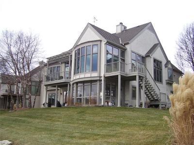 Johnson-KS County Single Family Home For Sale: 14717 Beverly Street