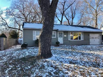 Overland Park Single Family Home For Sale: 7230 Maple Street