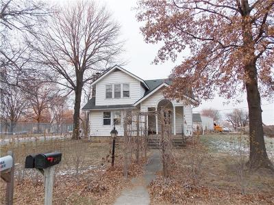 Louisburg Single Family Home For Sale: 8 S 5th Street