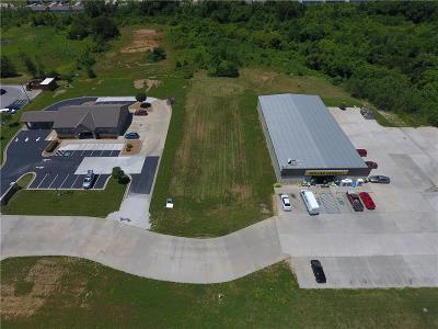 Knob Noster Commercial For Sale: Irish Lane