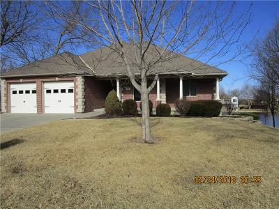 Lansing Single Family Home For Sale: 700 Bellerive Court