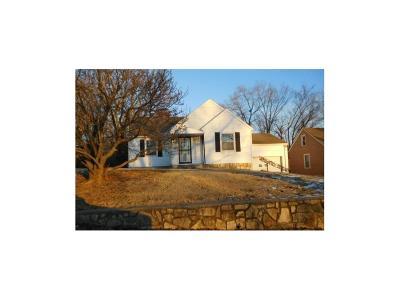 Roeland Park Single Family Home For Sale: 4847 Fontana Street