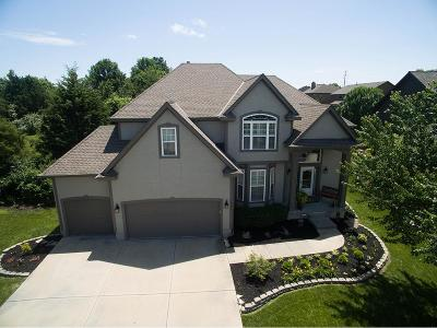Overland Park KS Single Family Home For Sale: $449,900