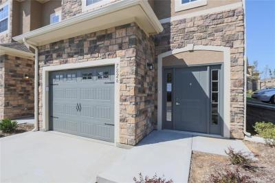 Overland Park Condo/Townhouse For Sale: 7826 W 158 Court