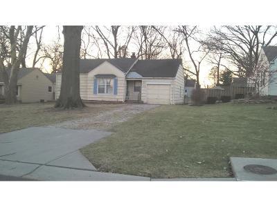 Overland Park Single Family Home For Sale: 5828 Floyd Street