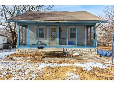 Kansas City Single Family Home For Sale: 7934 Garfield Avenue
