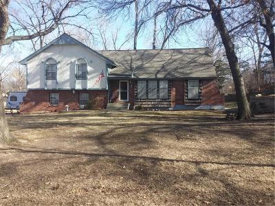 Platte Woods Single Family Home Show For Backups: 5612 NW Oakridge Court