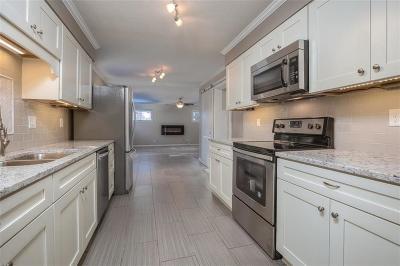 Overland Park Single Family Home Show For Backups: 6922 Woodson Street